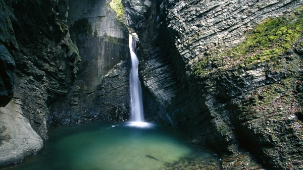 water-cave-cliffs-waterfalls-1920x1080-wallpaper_www-wall321-com_53